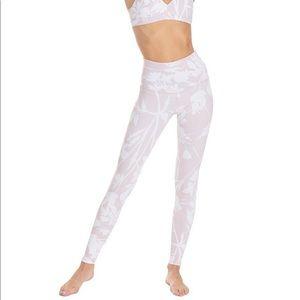 """""""Strut this"""" white blossom leggings"""